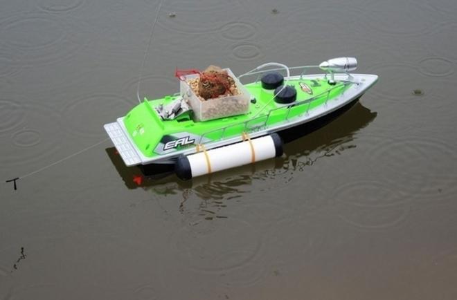 Кораблик для прикормки рыб Торнадо 3