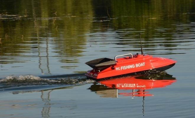 Радиоуправляемый катер для рыбалки