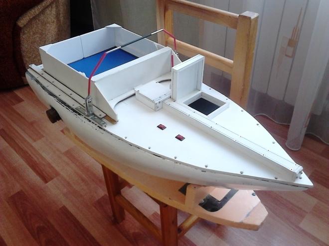 Самодельный карповый кораблик
