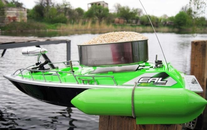 Радиоуправляемый кораблик для ловли рыбы