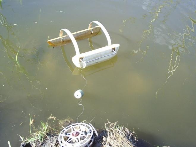 Кораблик для ловли рыбы своими руками